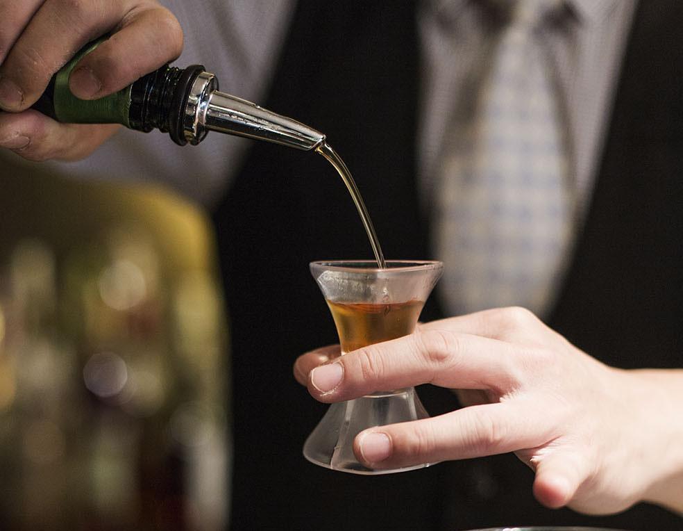 best liquor pour spouts